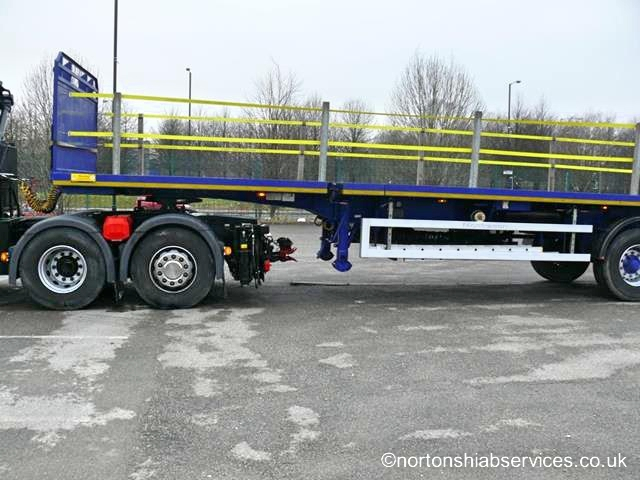 Articulated 622E-5 Hiab with extendable trailer up to 55ft